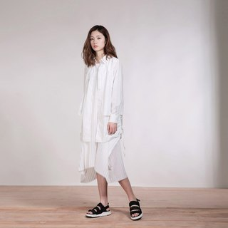 White multi-level drawstring shirt coat