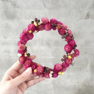 Hand Gomphrena dried wreath garland stock
