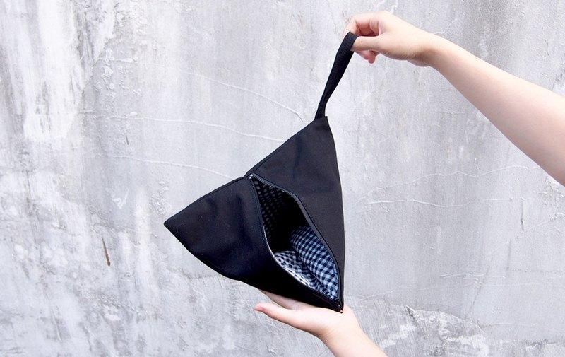 黑色 格子 幾何 三角包 化妝包/錢包 (L)