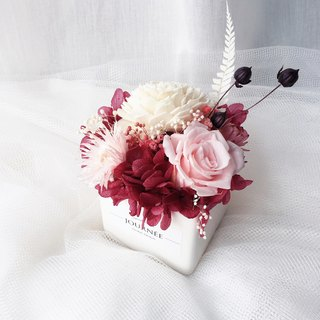 Journee French Elegant Eternal Rose Fragrance Small Potted/Eternal Hydrangea Dry Bouquet