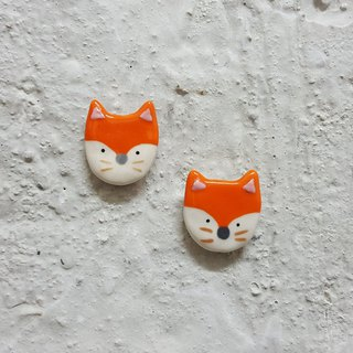 Little fox ceramic pin