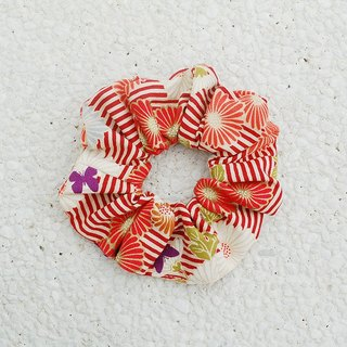 Marguerite bouquet _ red / large intestine ring donut hair ring