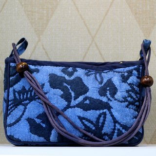 Glassy blue color blue embossed packet ❖ Exclusive hand sewing bag ❖