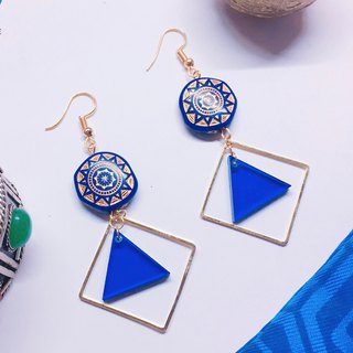 National wind earrings