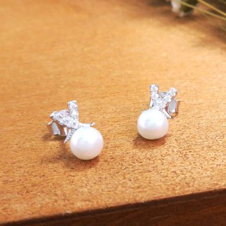 Satin pearl sterling silver earrings (white K gold models)