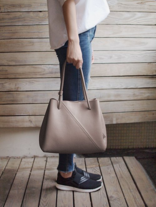 Blanc de Blancs dual-use leather stitching organ tote bag - warm gray
