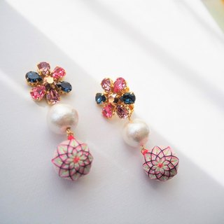 tachibanaya Daisy Pearl swarovski Japanese TEMARI earrings flower pink