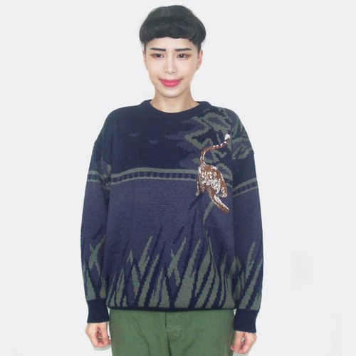 Purple cheetah embroidered vintage wool sweater sweater AW5004