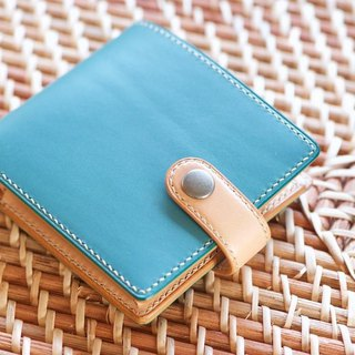Two fold wallet color order