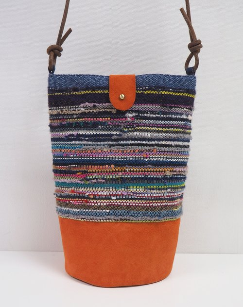 Color bucket-type pockets land