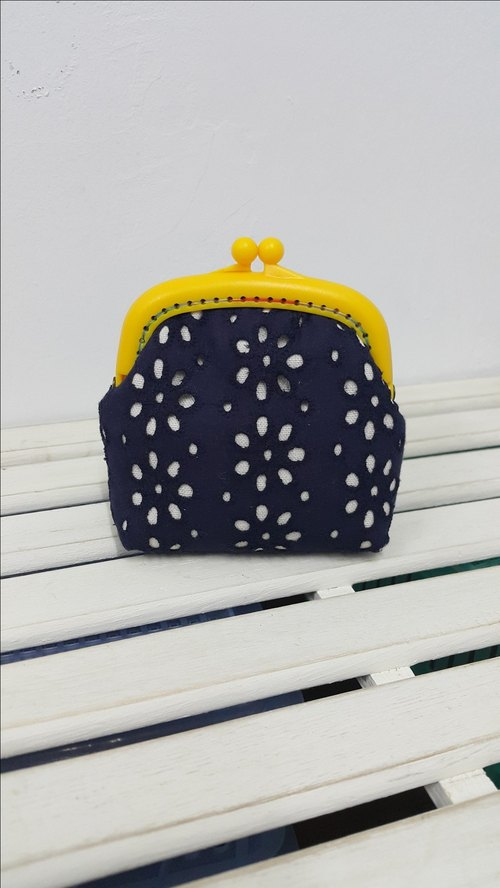 Elegant lace (dark blue) coin purse / resin mouth gold bag [CB170707]