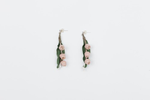 Chrysanthemum larynx earrings for cloth plant design