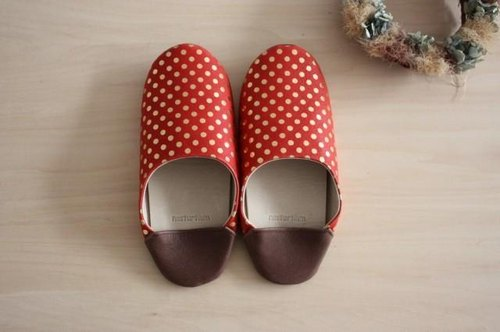 Baboosh polka dot red pigskin (S)