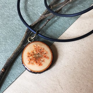 Dried Flower Epoxy Necklace / Pendant (short paragraph)
