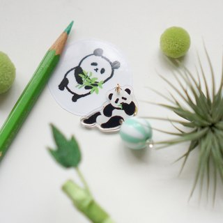 [Horns forest] bite the bamboo panda and his little ball single ear clip / earrings