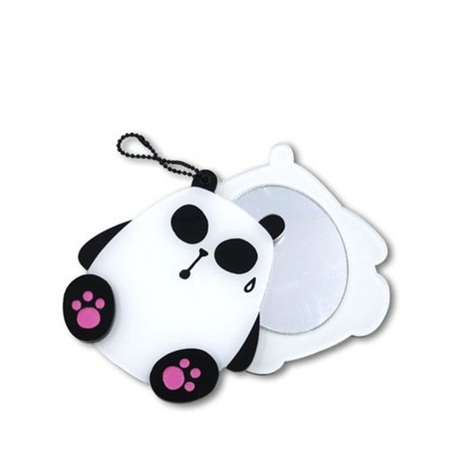 Chloe deaf cat / portable mirror