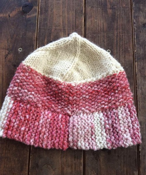 Knit hat strawberry milk color