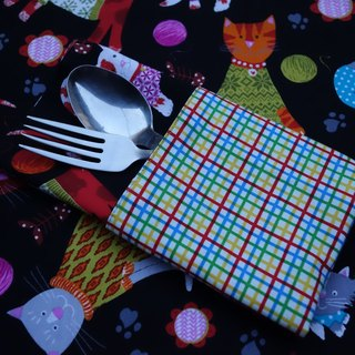 Cat with a ball of yarn color line X plaid double-sided placemat Kitties and yarn balls & Color checks placemats <one pair / 1 pair>