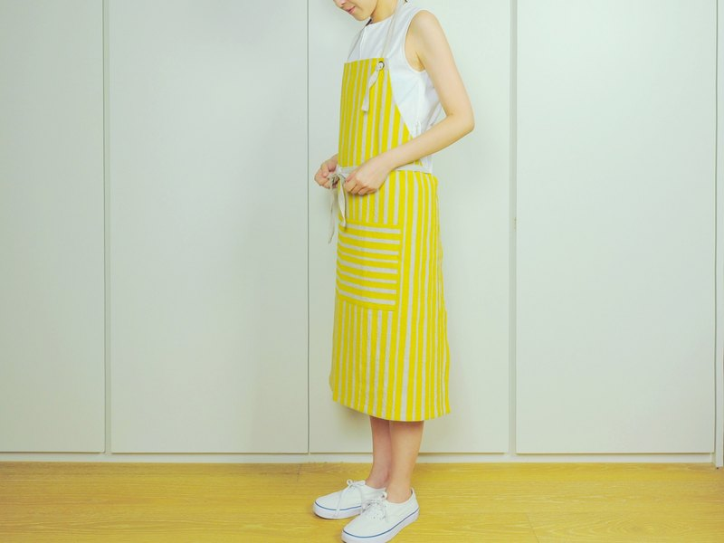 Reduced handprint cotton and linen apron adult version mustard yellow