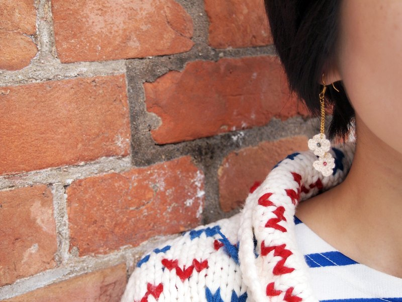 BE003 Japanese cute hand-woven wool with white rice Symphony beads earrings