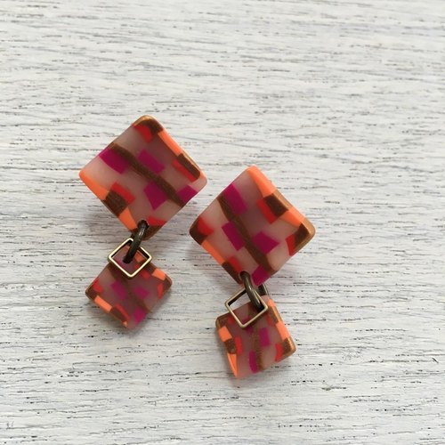 Square Shikaku earrings clear red system