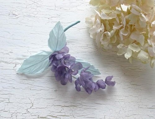 Lilac branch corsage (purple)