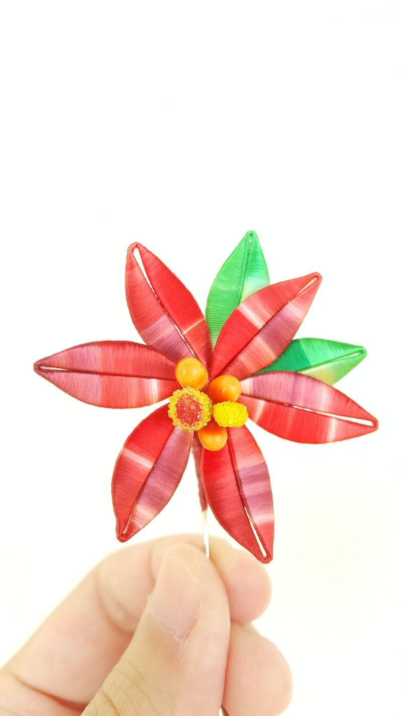 Chun Tsai [Christmas] Christmas red flower pin - Gradient paragraph