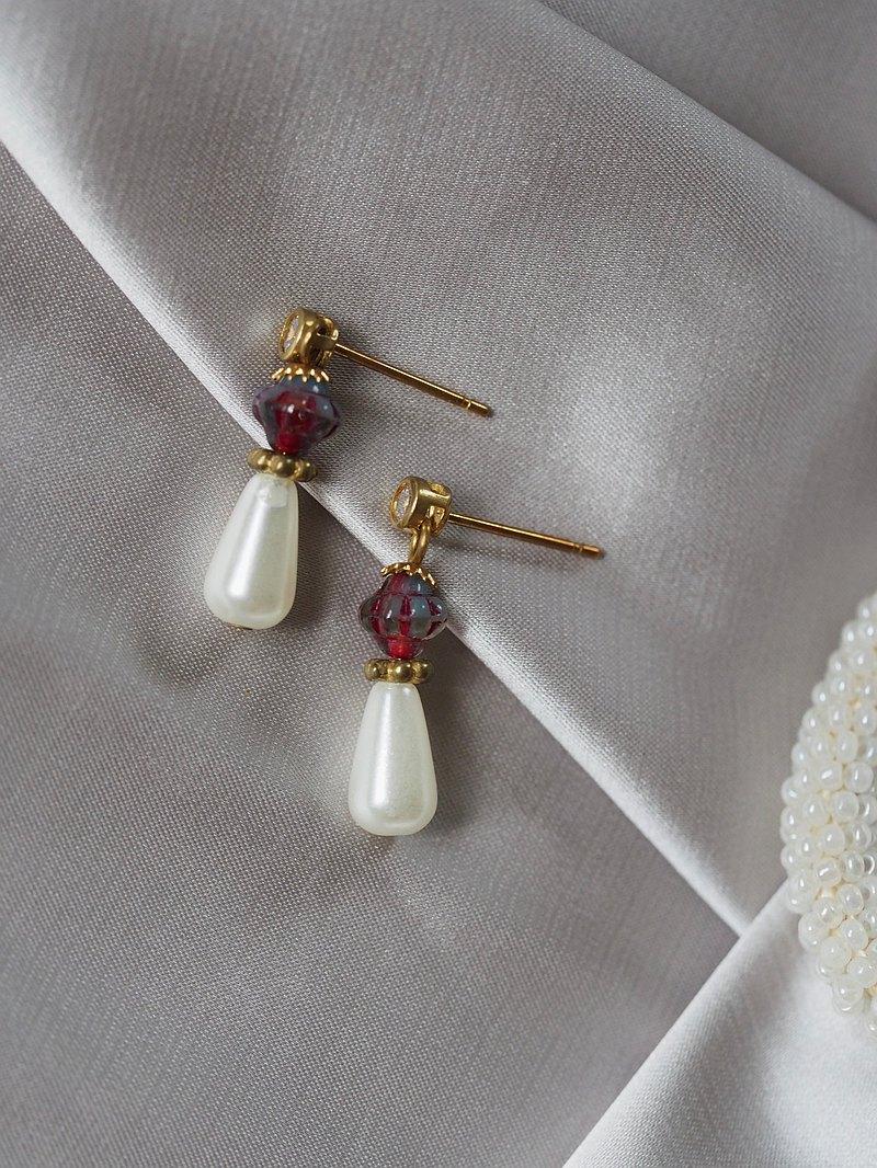 迷你水滴珍珠 暈彩黃銅耳環 白