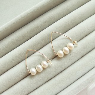 Natural Freshwater Pearl 14K Gold Triangle Earrings