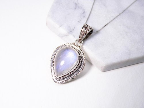 Moonstone Silver Heavy classical pattern of water droplets necklace inlaid hand-made in Nepal
