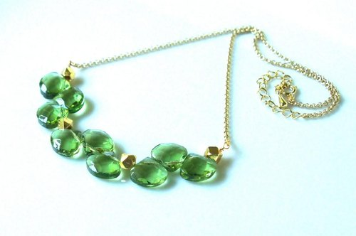 Apple green clover necklace