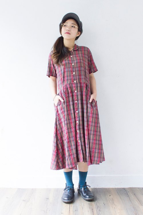 Banana cat. Banana Cats basic models wild red plaid cotton short-sleeved vintage dress