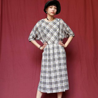 Pumpkin Vintage. Ancient gray round neck plaid water jade dress