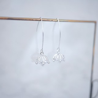 innocence series-platinum colour dandelion seeds<once upon a time*earring>