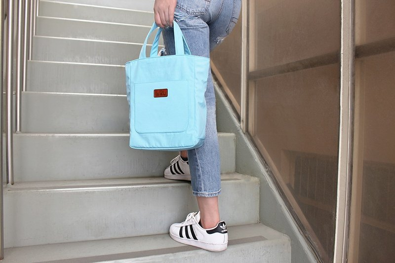 LAPELI │ Sports and leisure handbag water blue