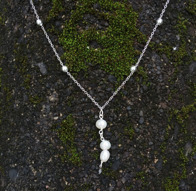【Rachelle L. Statement】White Freshwater Pearls / 925 Sterling Silver / Short Necklace