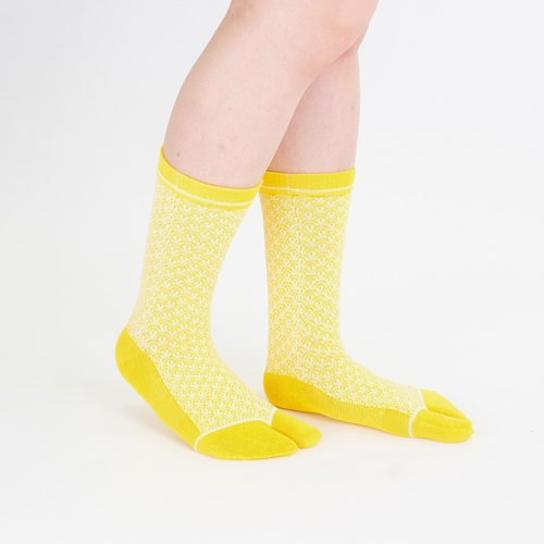 Qinghai wave Tabi socks M size [Yellow]