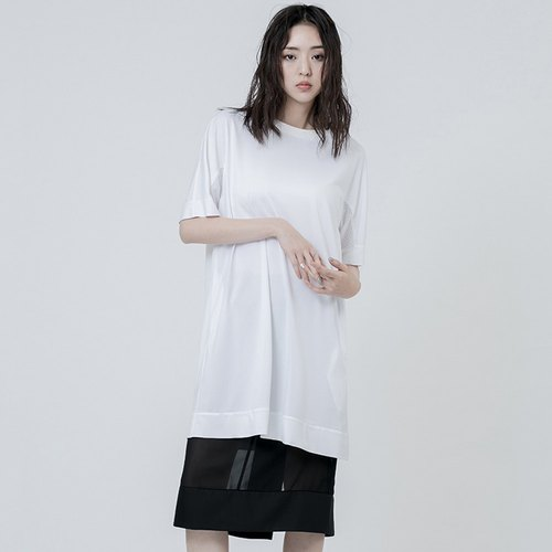 The mesh sleeve shirt Long T-shirt With Sleeves Details