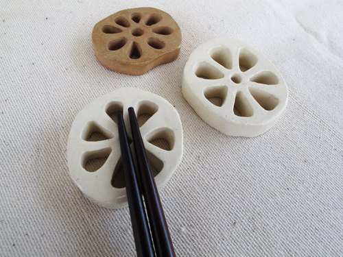 Hand-made lotus root chopsticks holder