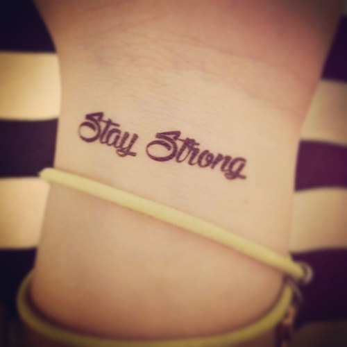 TOOD Tattoo Stickers | Wrist Position English Word 'Stay Strong' Trick Tattoo Tattoo Stickers (2)