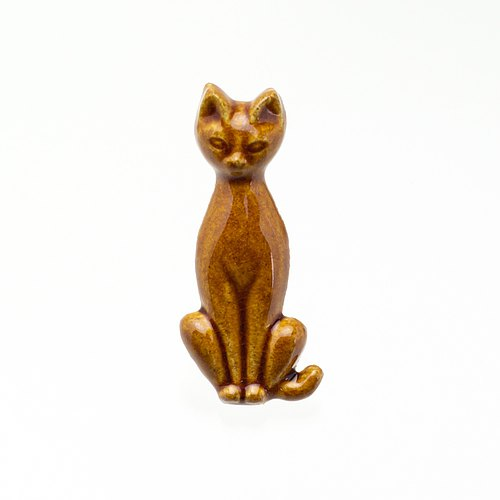 Pottery Brooch Cat (Candy)