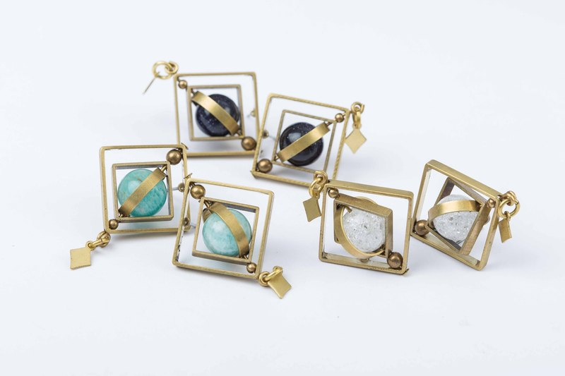 UFO of square Earrings