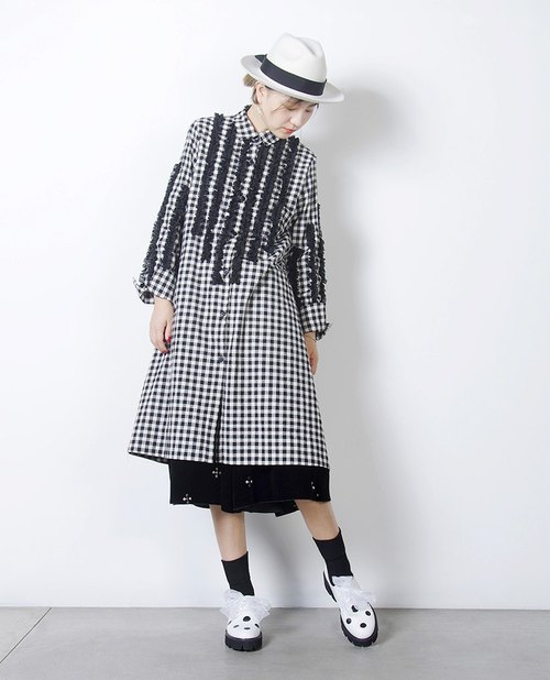 Checkered flower long coat Long Shirt - imakokoni