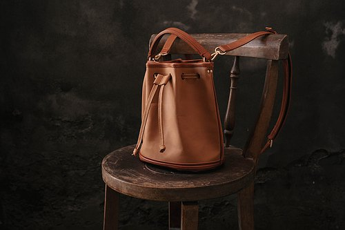 -unsimple-shoulder bag