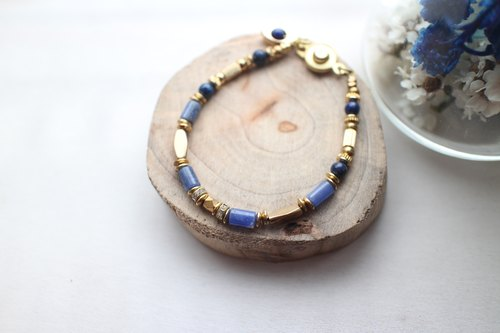 Fuchia ~ ~ warm blue soda Stone / Lapis / diamond / brass bracelet