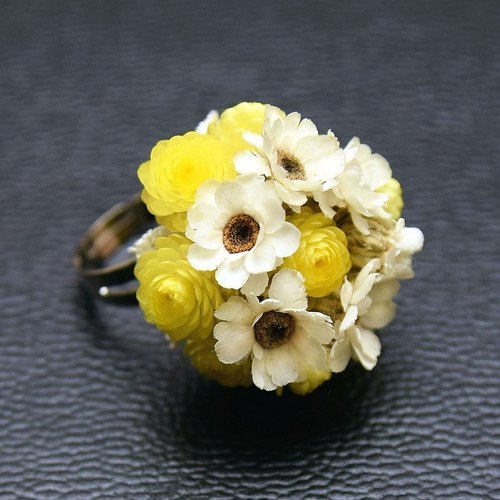 Floral Collection - Italian Helichrysum France Hakubaicho dried flower ring