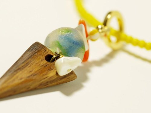 Refreshing glass and wood necklace / N281-2