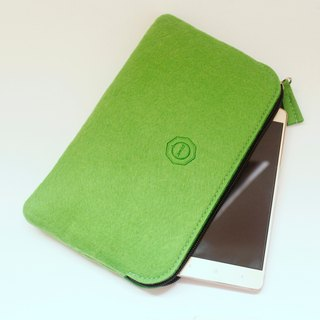 Simple and versatile wool felt hand bag / Leaf Green [But when Pencil. Cell phone pouch. Pouch Passport bag]