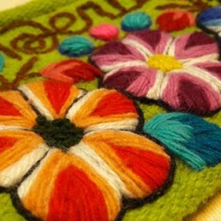 Three-dimensional hand-embroidered flowers rainbow glove bag - green grass