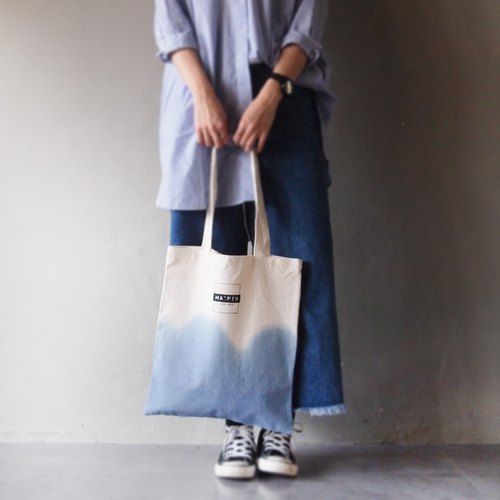 Three generations of the new Tottenham classic LOGO Columbia blue gradient / short strap cotton canvas hand-printing handprint Tote bag